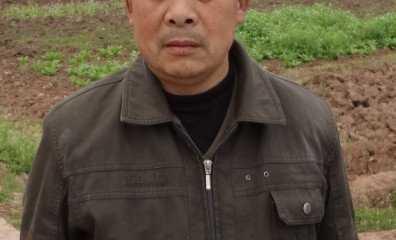 荣发村四社社长-杨瑞明